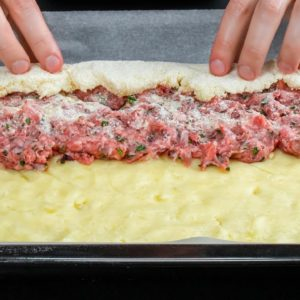 Trick! How to transform this roulade into small snacks of meat with potatoes