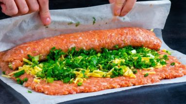 JUST minced meat and 2 ingredients - This ROULADE for HOLIDAYS is ready!