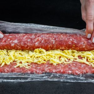 Prepare the fastest and the most juicy meatballs from a roulade